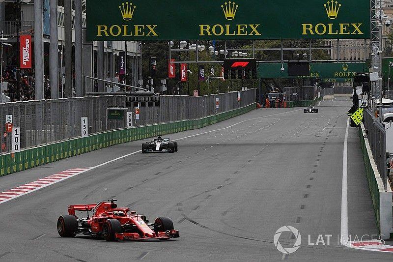"""Vettel over mislukte inhaalactie op Bottas: """"Ik moest iets proberen"""""""