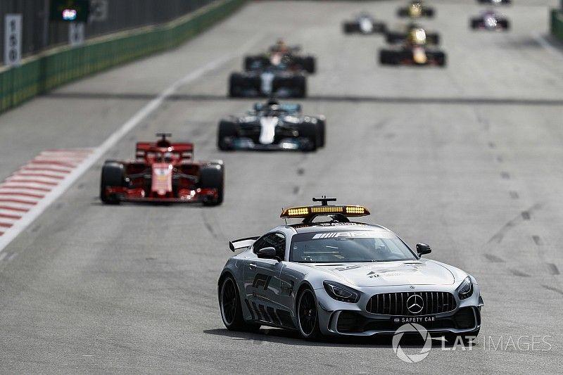 Hamilton wil rijgedrag Vettel achter Safety Car bespreken met FIA