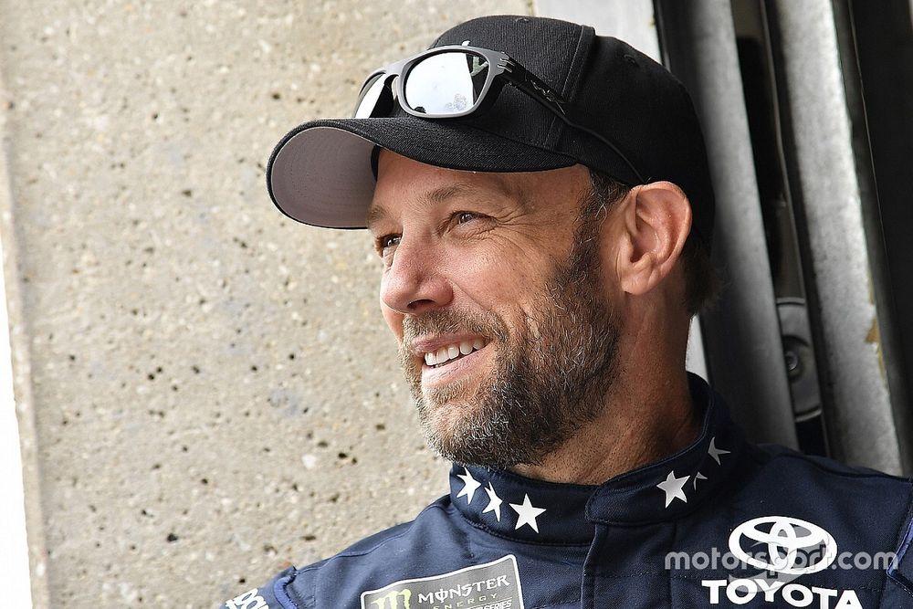 Matt Kenseth to replace Larson at Chip Ganassi Racing