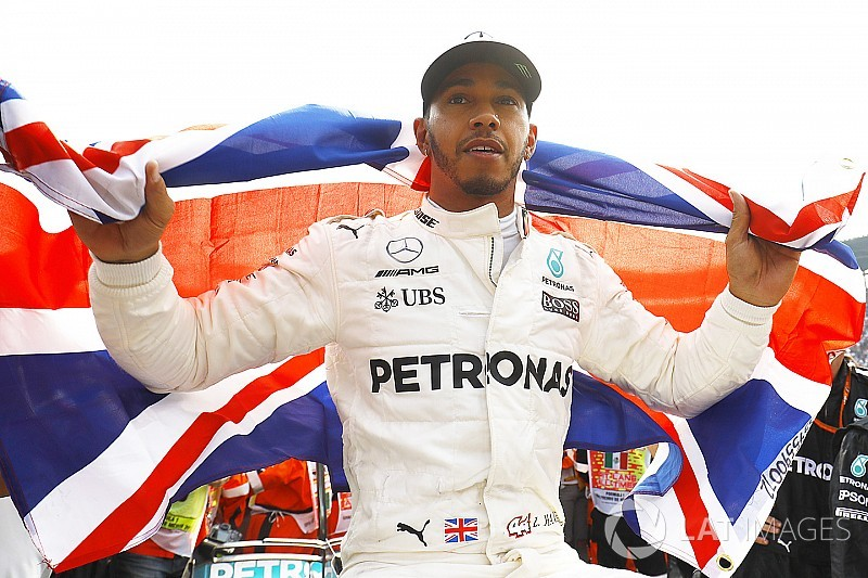 Hamilton: Negosiasi kontrak Mercedes 'berjalan mudah'