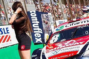 Stock Car Brasil Últimas notícias Grid girls roubam a cena nos bastidores da Stock Car