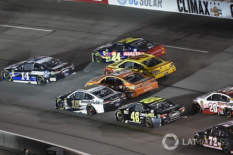 """Clint Bowyer had shot at Richmond win until """"all hell broke loose"""""""