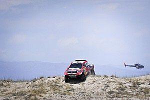 ダカール12日目:トヨタのアル-アティヤ最速もサインツ総合首位揺るがず