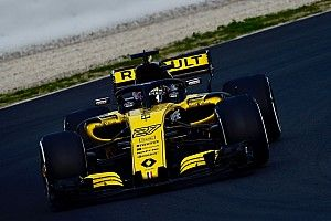 Fotogallery: le foto più belle della Renault R.S.18 nei test del Montmelo