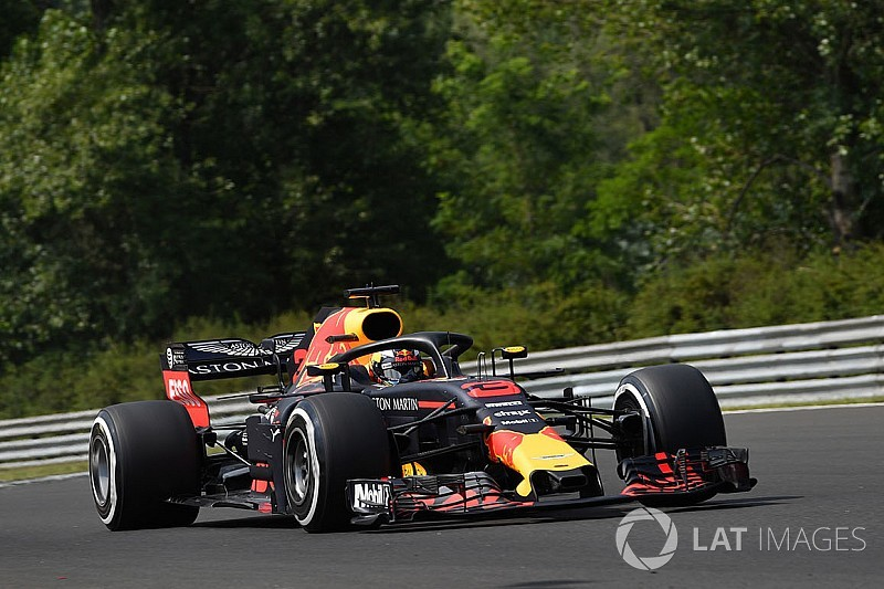 Ricciardo on older Renault spec than Verstappen after failure