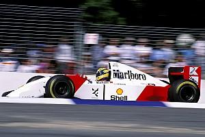 A McLaren legendás MP4-8-as festése egy 2022-es F1-es autón: páratlan