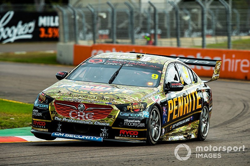 Reynolds won't blame crew for costly pit blunder