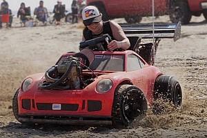 Videó: KTM motorral felturbózott Porsche játékautó, mondjunk többet?