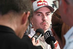 """Lorenzo: """"Si se encuentra bien con la Honda, Zarco puede ir muy rápido"""""""