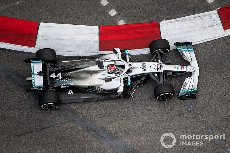 Singapore GP: Hamilton outpaces Verstappen in FP2