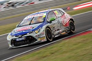 Snetterton BTCC: Ingram wins Race 1 ahead of Cammish