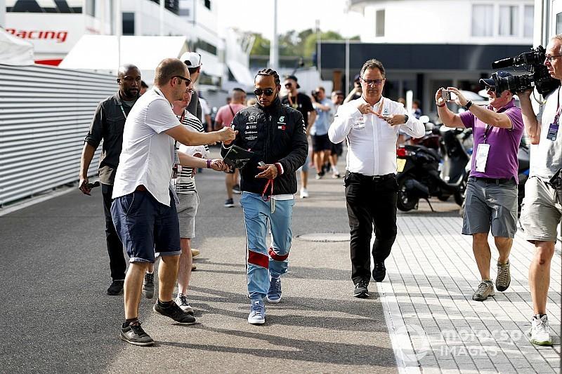 Hamilton-pole a Német Nagydíjon, dupla KO a Ferrarinál...
