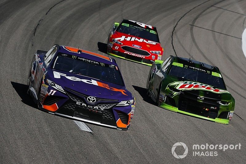 NASCAR confía en incorporar un cuarto fabricante