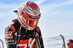 """Magnussen dijo que las """"estúpidas"""" reglas del combustible lo hicieron manejar como abuela"""