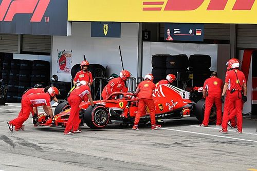 """Hamilton nie spodziewał się, że Vettel tak """"straci formę"""""""