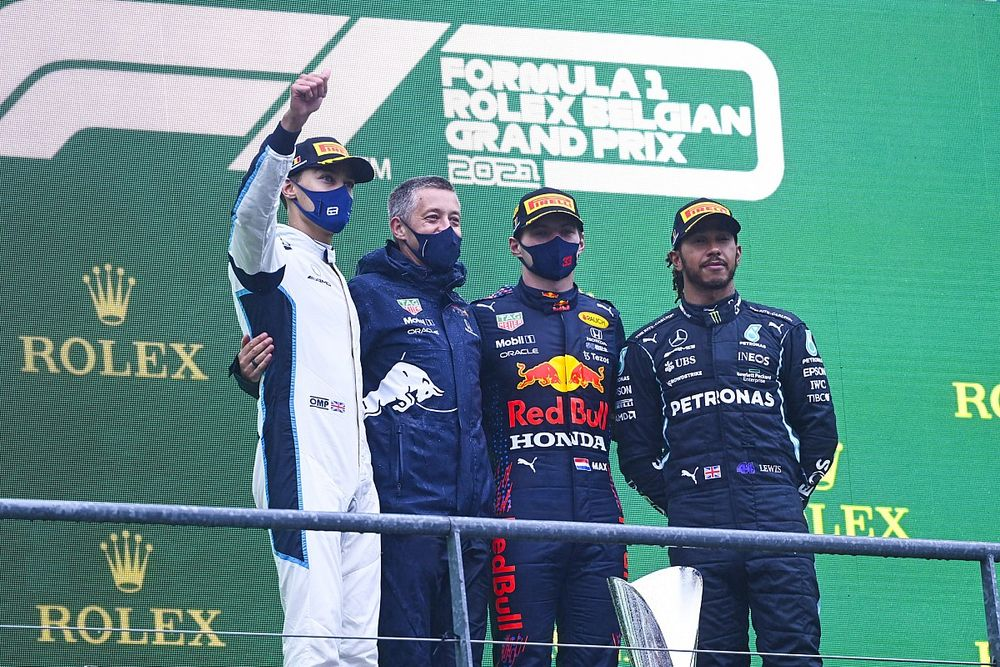 比利时大奖赛:维斯塔潘被授予只跑了2圈的比赛胜利