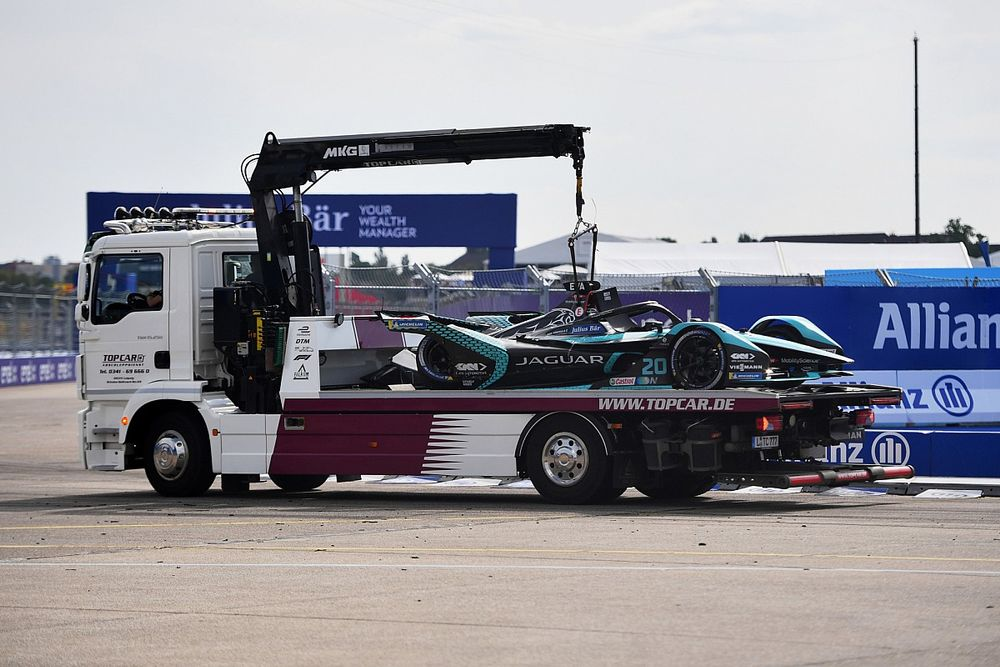"""Evans """"hurts in every aspect emotionally"""" after Berlin Formula E crash"""