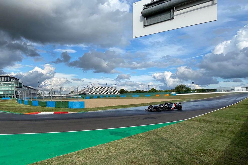 Az Alpine techinkai hibája csonkította meg a Pirelli tesztjét