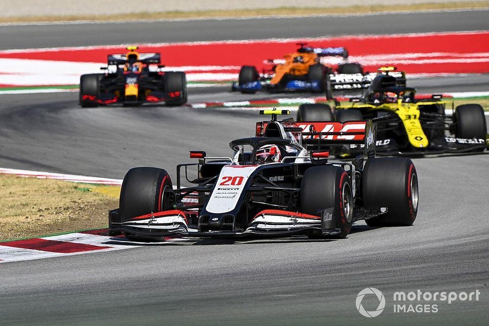 """Magnussen: """"Güncelleme getirmeyen Haas için tuhaf bir sezon oluyor"""""""