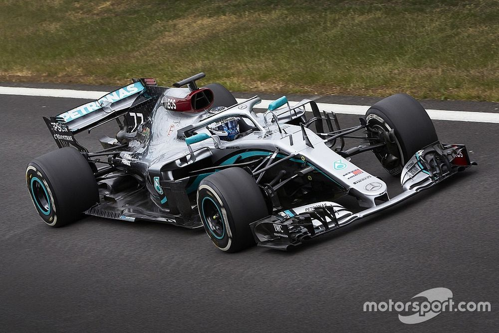 Mercedes back on track as it begins Silverstone test