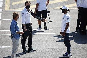 Hamilton és Rosberg látványos ütközése, ami óriási sajtóvisszhangot kapott: videóval