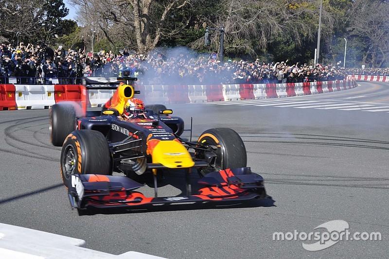 Látványos és HANGOS bemutató a Red Bull-Hondától Japánban