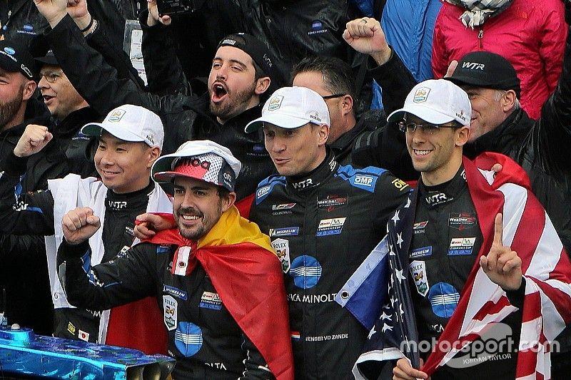 """Alonso """"no hubiera pensado"""" hace un año que ganaría Daytona"""