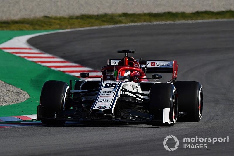 Джовинацци показал лучшее время в первой половине дня тестов Ф1 во вторник