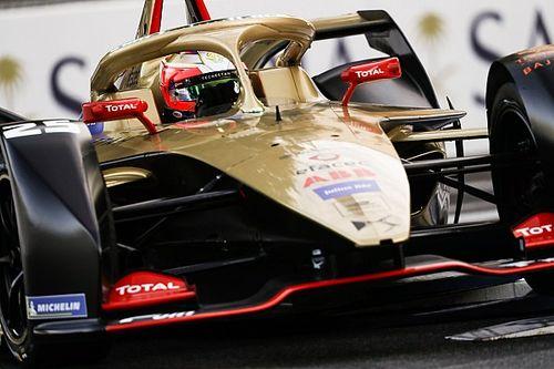 Вернь выиграл гонку Формулы Е, которая началась с большой аварии, а закончилась под дождем