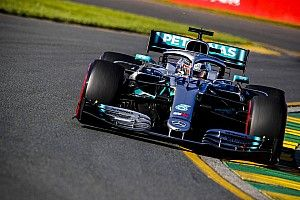 GP Australia: Hamilton all'ottava pole, delude la Ferrari con Vettel staccato