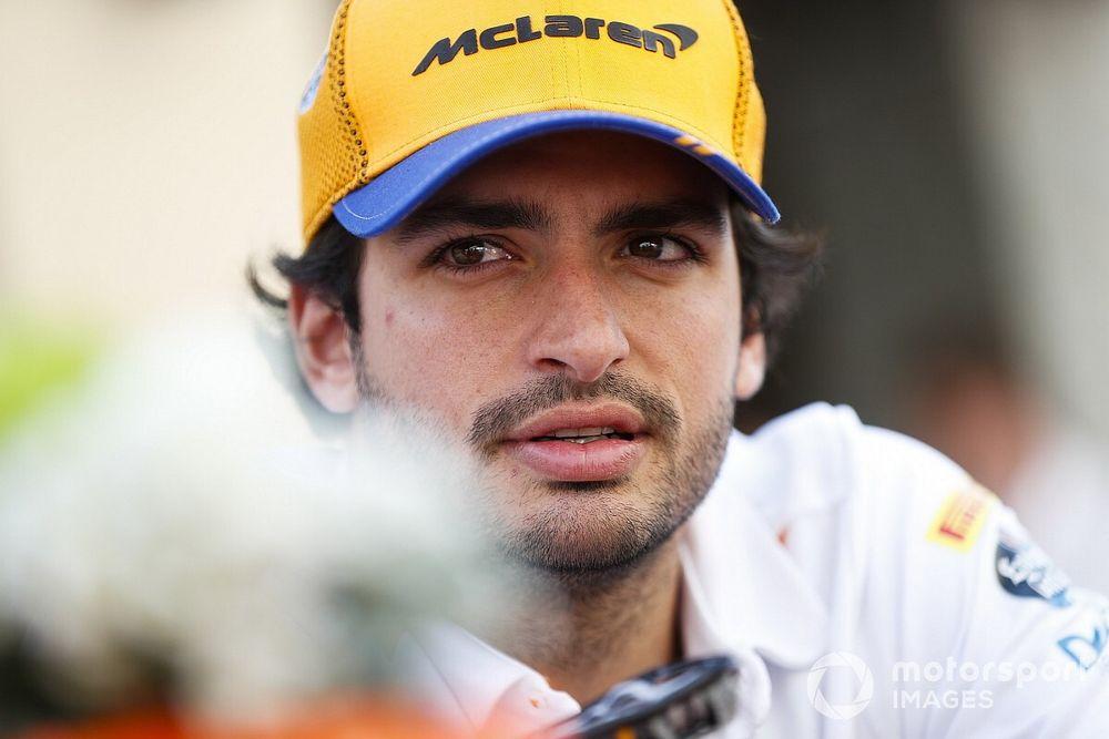 Entenda por que Sainz não foi contratado como segundo piloto da Ferrari