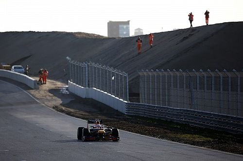 Verstappen: Zandvoort banking will encourage different lines