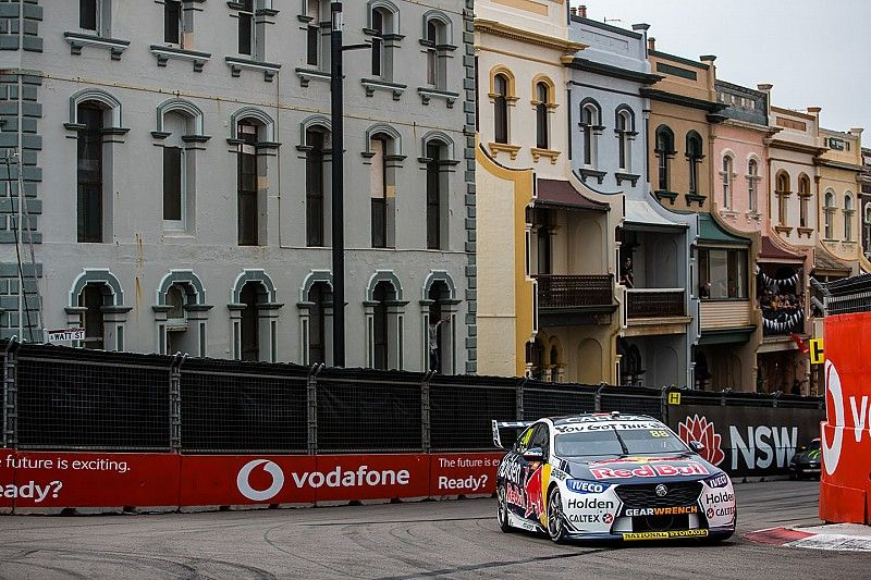 Newcastle Supercars: Whincup wins, Penske seals teams' title