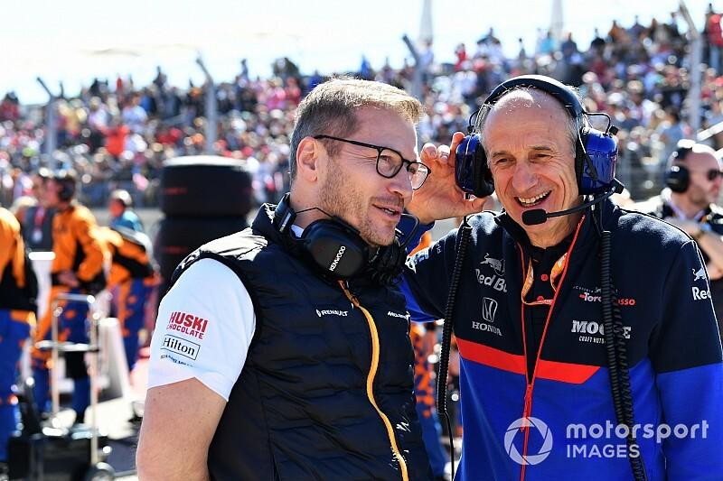 """Tost: """"Mercedes, F1'in 'en baskın' takımı"""""""