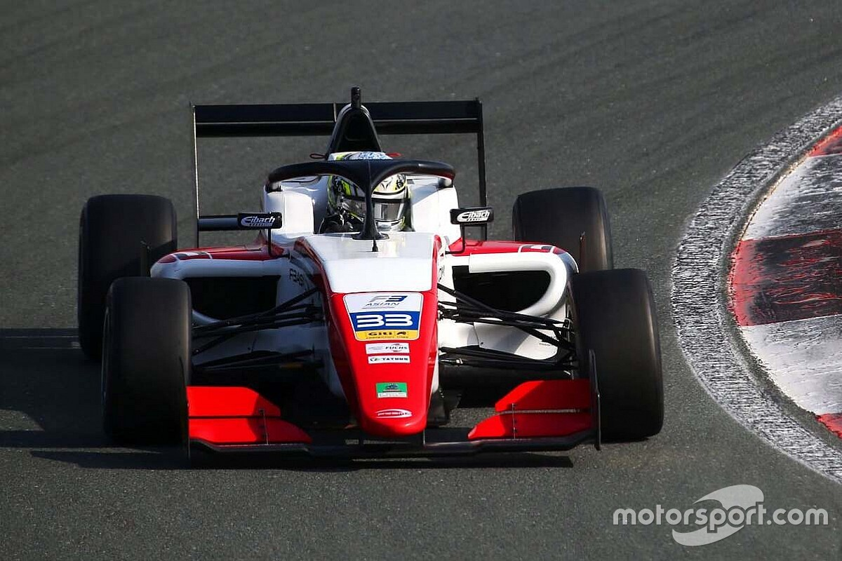 Zhou i Chovet na pole position
