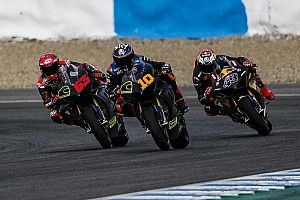 I piloti Ducati MotoGP si divertono sulle Panigale V4 a Jerez