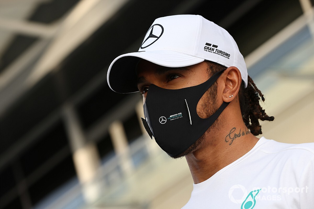 "Hamilton ""not feeling great"" with mild COVID-19 symptoms"