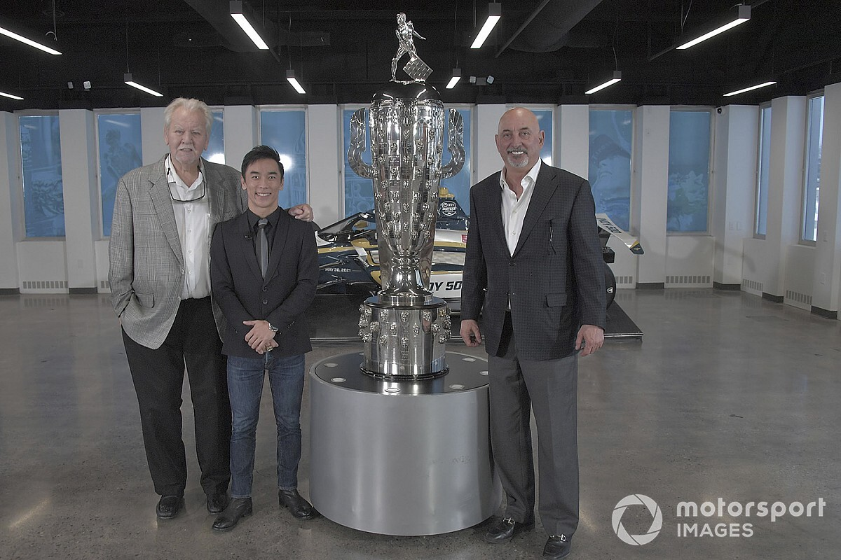 Sato unveils second image on Borg-Warner Trophy thumbnail