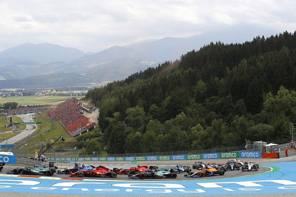 Vettel ve Raikkonen kazasının ardından sekiz pilot daha hakemlerle görüşmeye çağırıldı