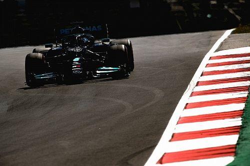 """Hamilton: """"Ho faticato per tenere la Mercedes in pista"""""""