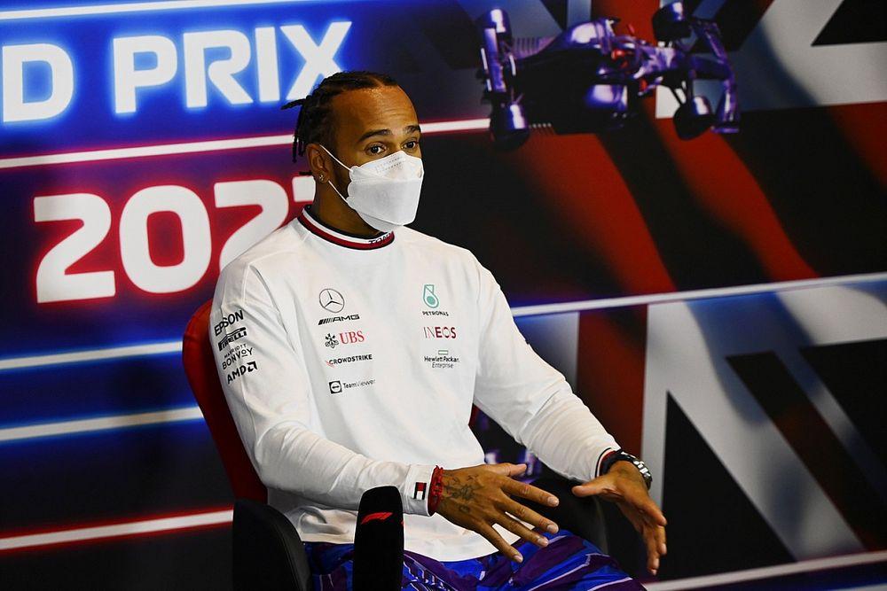 Hamilton, güncellemelerin ve taraftarlarının kendisine güç vermesini umuyor