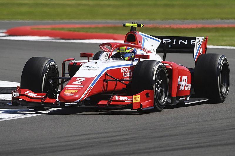 F2: Piastri larga na frente em Silverstone no domingo; Drugovich é 6º