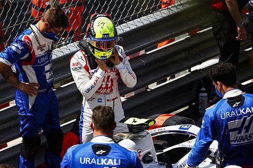 """Mick: """"Vettel bana pek çok tavsiyede bulunuyor"""""""