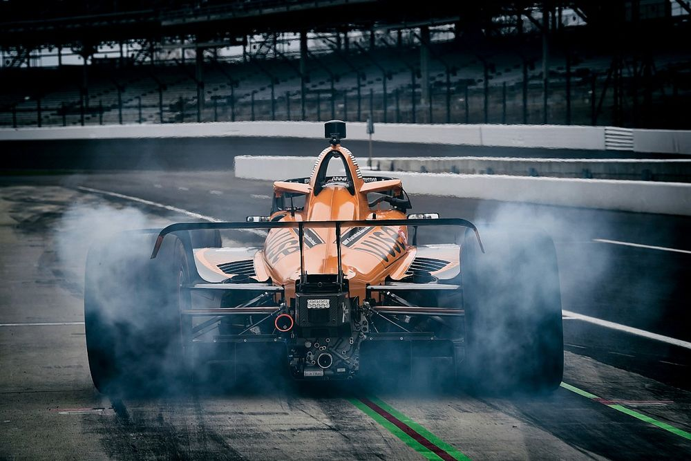 IndyCar to begin testing hybrid engines in early 2022