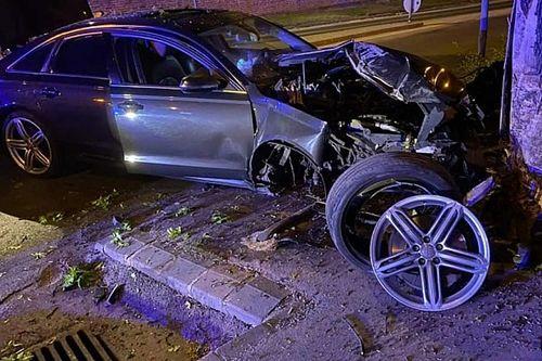 Ittasan csapódott egy fának Audijával egy sofőr Szigetszentmiklóson