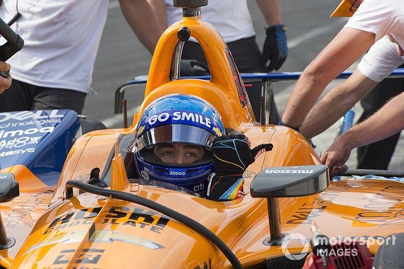 Alonso sufre un pinchazo en la clasificación para la Indy 500