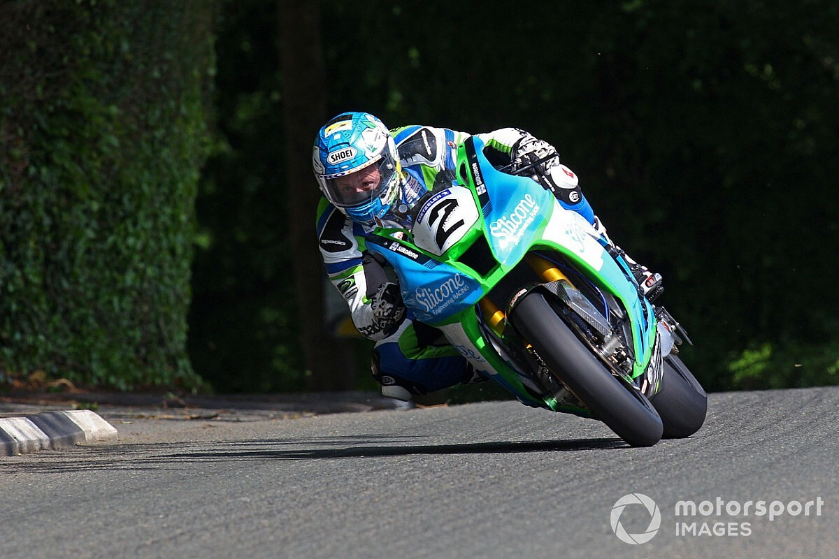 Isle of Man TT: Harrison wins Senior TT after Hickman problem