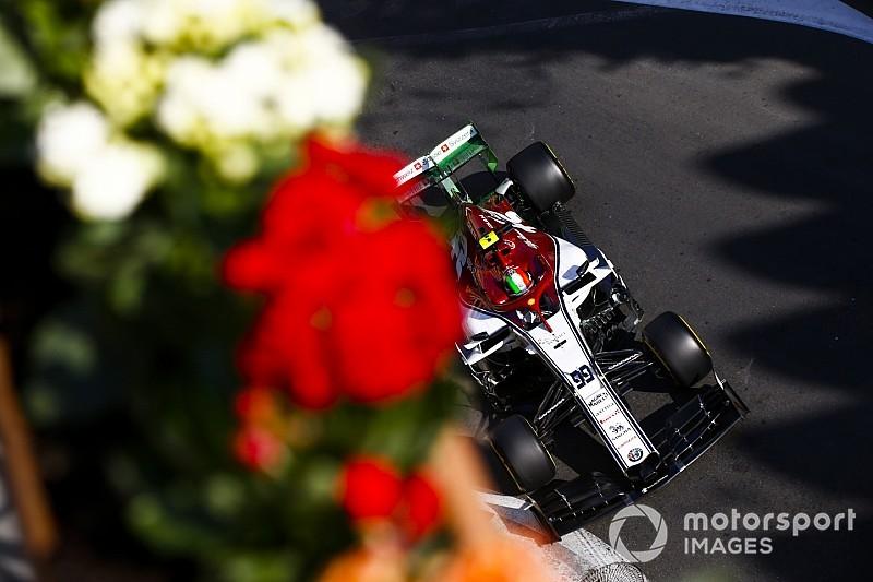 Fotogallery F1: la prima giornata di prove del GP d'Azerbaijan a Baku