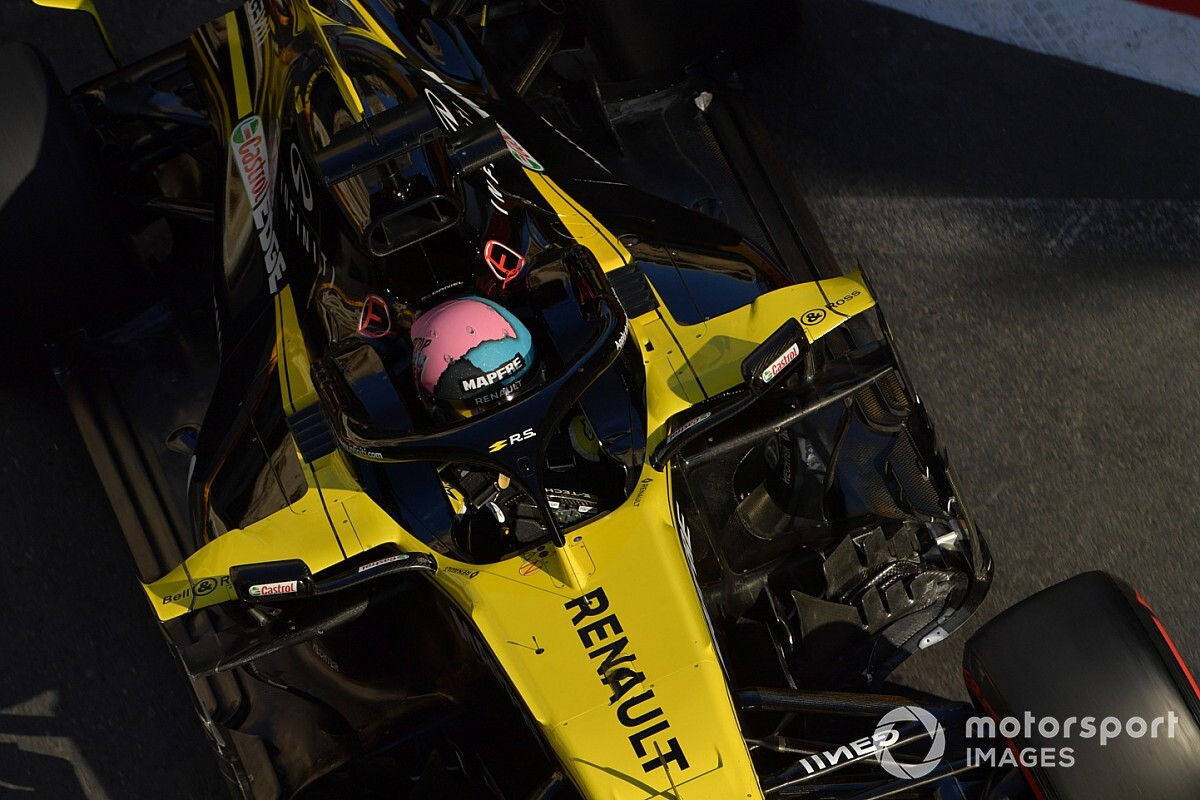 Amikor Ricciardo nekitolatott Kvjat Toro Rossójának Bakuban: videó