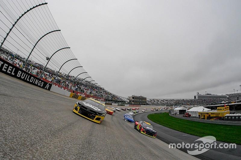 La lluvia pospone la carrera de Dover para el lunes